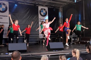 53 2019 Stadtfest Tanz red1MB