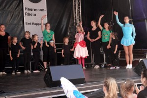73 2019 Stadtfest Tanz red1MB