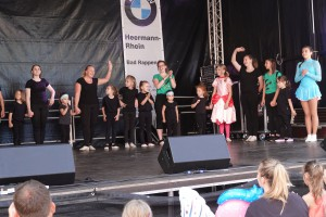 74 2019 Stadtfest Tanz red1MB